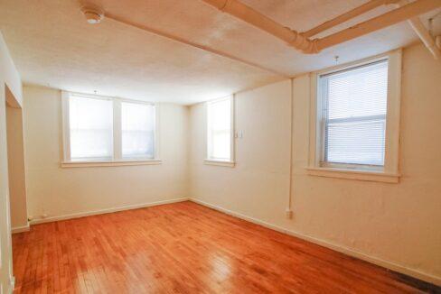 Innovative-Properties-2886 James Ave S B2-02