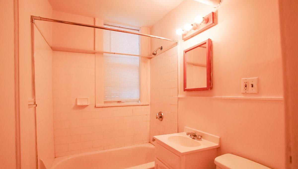 Innovative-Properties-2886 James Ave S B2-06