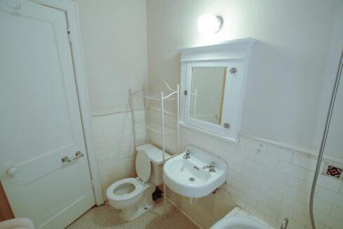 Innovative-Properties-2886 James Ave S Studio 305-04