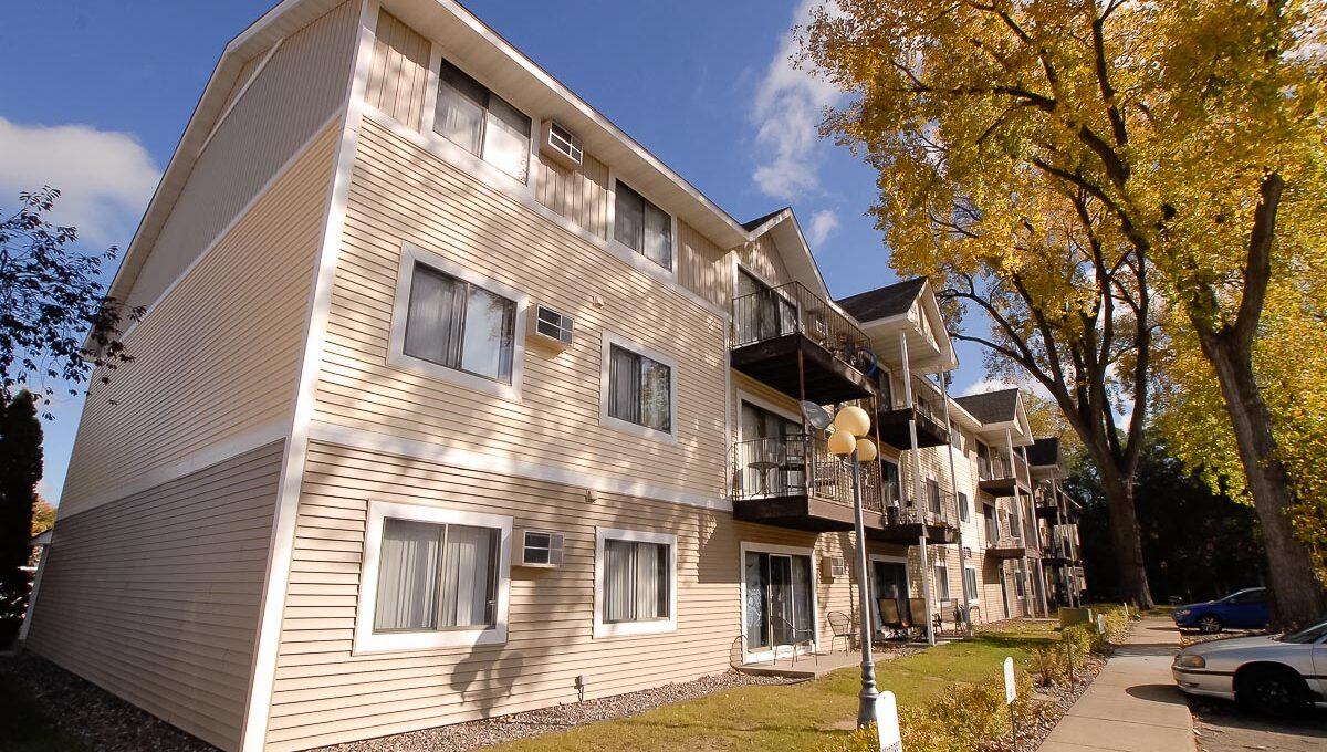 Innovative-Properties-10303 Hanson Boulevard Coon Rapids-02