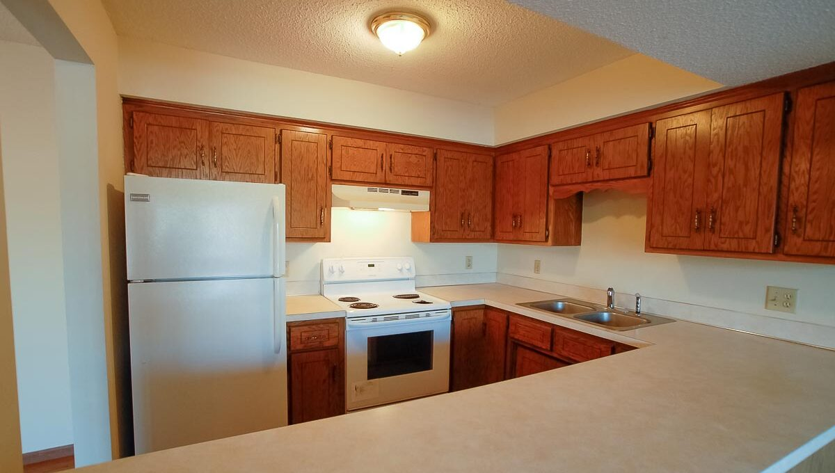 Minneapolis-Apartment-for-Rent-10303 Hanson Blvd NW Coon Rapids-01