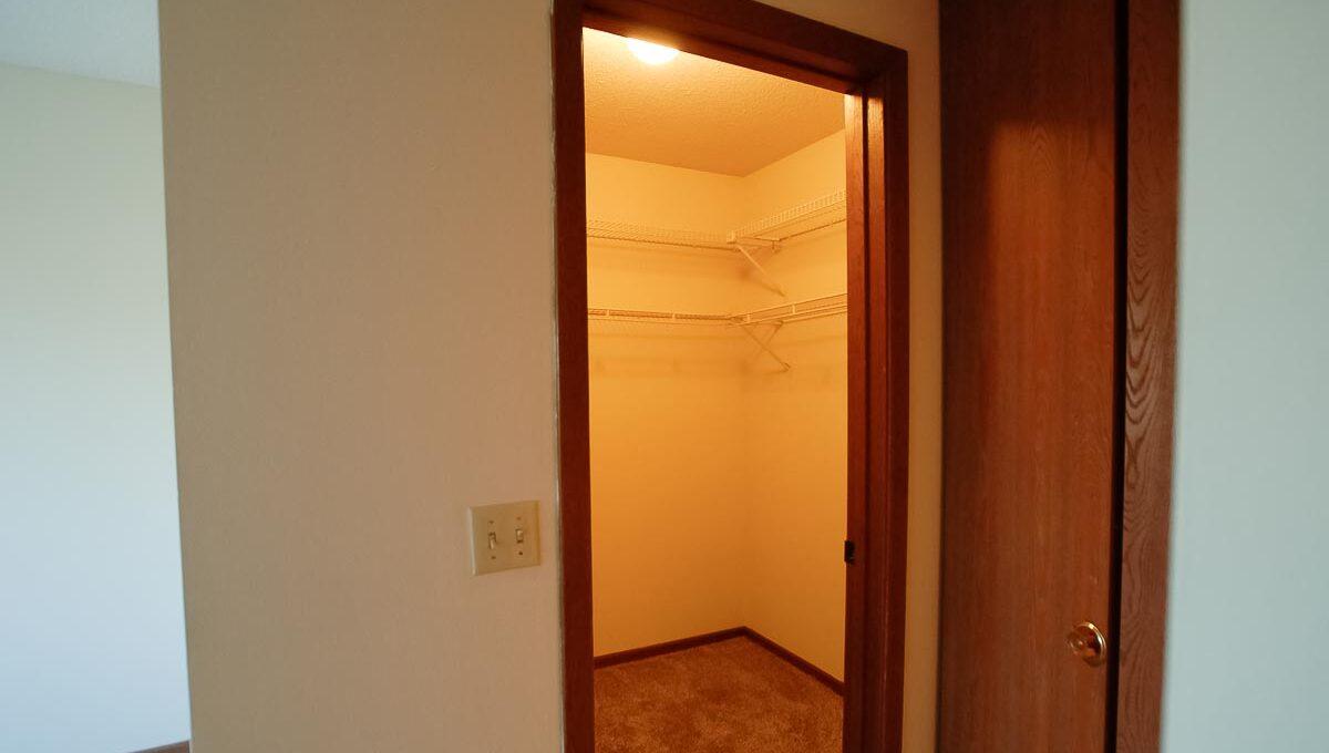 Minneapolis-Apartment-for-Rent-10303 Hanson Blvd NW Coon Rapids-08