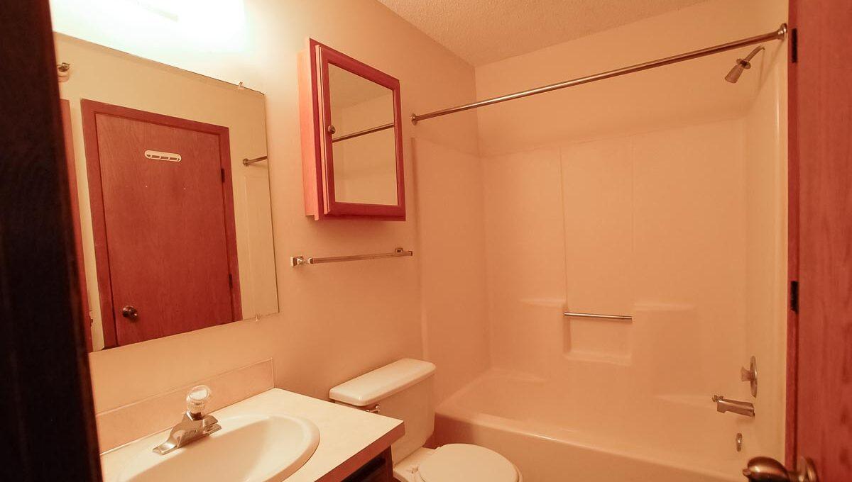 Minneapolis-Apartment-for-Rent-10303 Hanson Blvd NW Coon Rapids-09