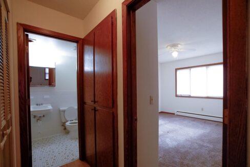 Minneapolis-Apartment-for-Rent-3554 17th Ave S MInneapolis MN-15