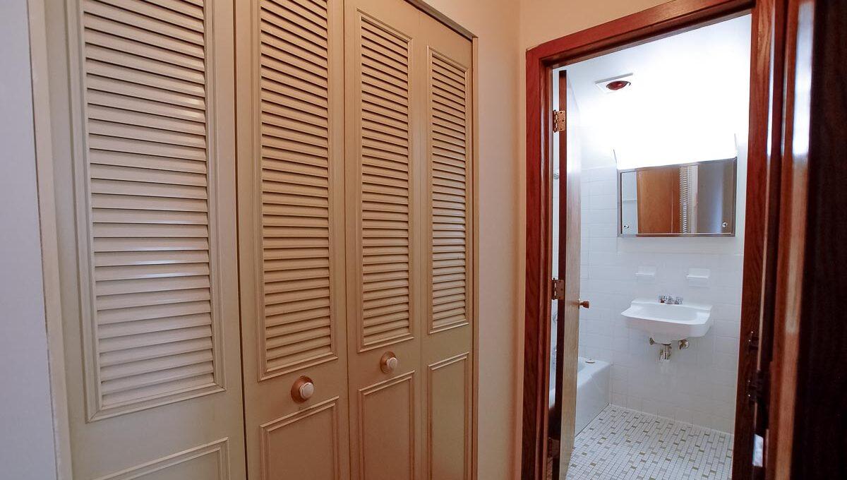 Minneapolis-Apartment-for-Rent-3554 17th Ave S MInneapolis MN-16