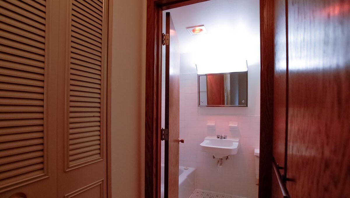 Minneapolis-Apartment-for-Rent-3554 17th Ave S MInneapolis MN