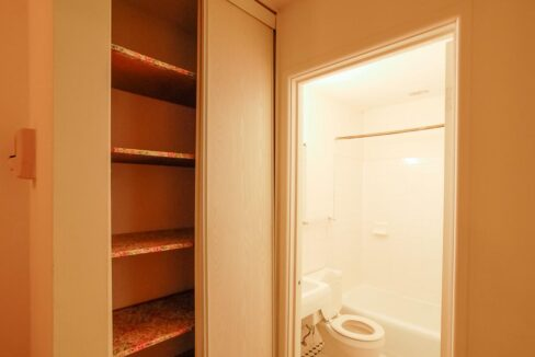 Innovative-Properties-2323 Garfield Avenue S Apt 6-06