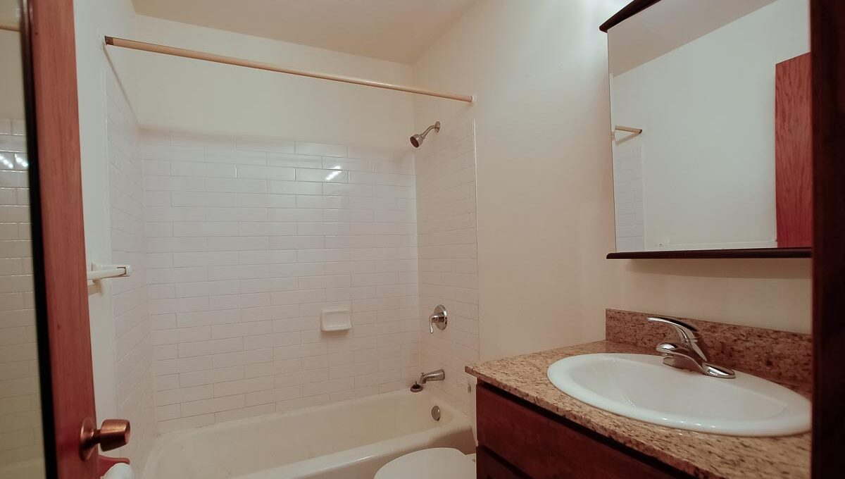 Innovative-Properties-2537 Emerson Ave S #201-08