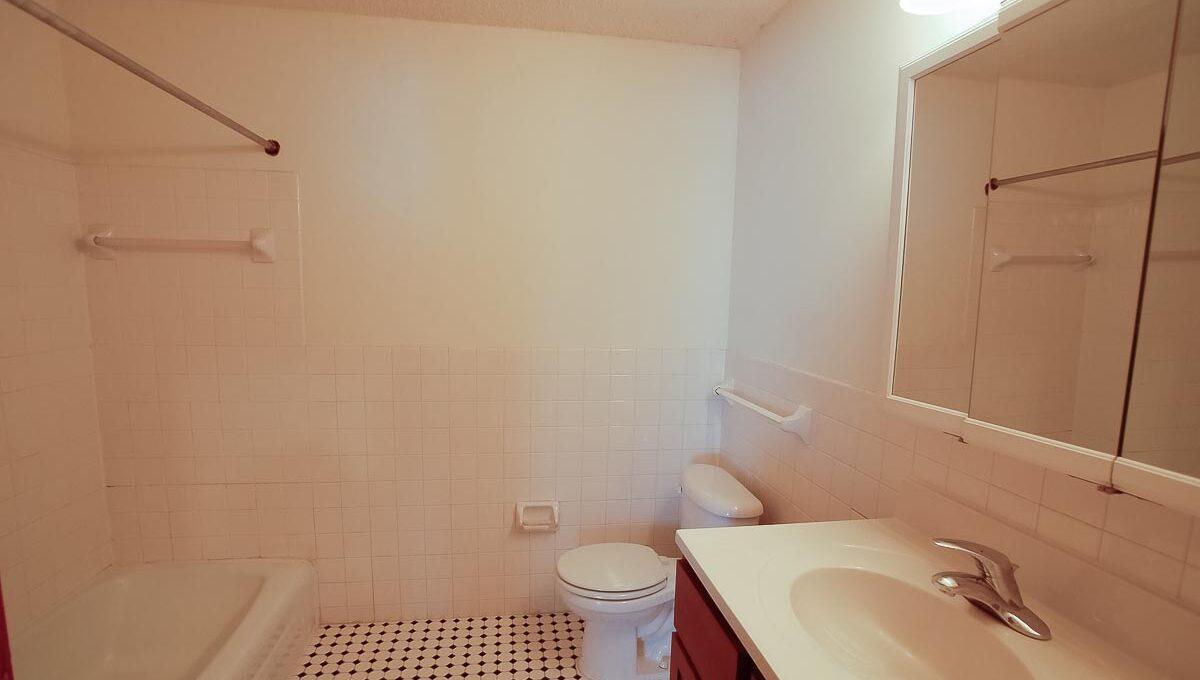 Innovative-Properties-3414 Minnehaha 8-10
