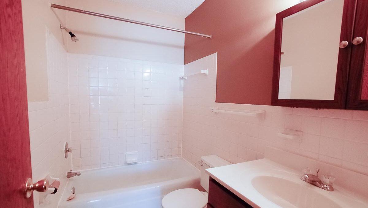 Innovative-Properties-3845 Bryant Ave S 102-05