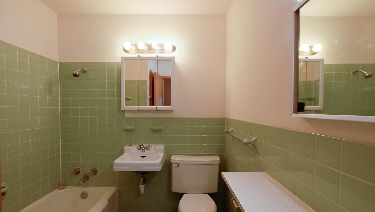 Innovative-Properties-4348 Cedar Ave S #203-23
