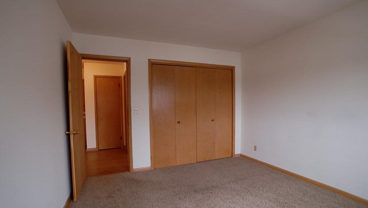Innovative-Properties-4348 Cedar Ave S #203-25