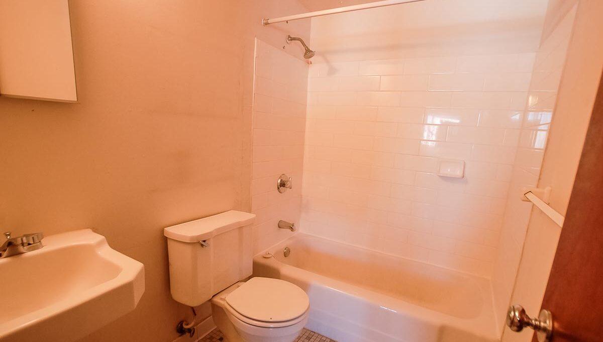 Innovative-Properties-9210 Golden Valley Road Apt 8-04