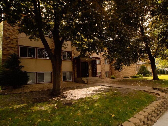 Minneapolis-Apartment-for-Rent-2913 29Th Ave S