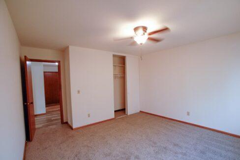 Minneapolis-Apartment-for-Rent-3025 30th Ave MInneapolis MN-05