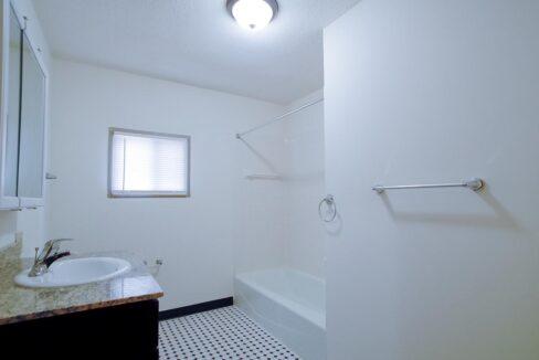 Minneapolis-Apartment-for-Rent-4307 E 50th Street Minneapolis MN-06