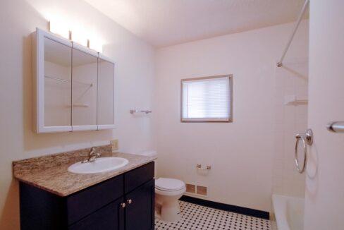 Minneapolis-Apartment-for-Rent-4307 E 50th Street Minneapolis MN-07