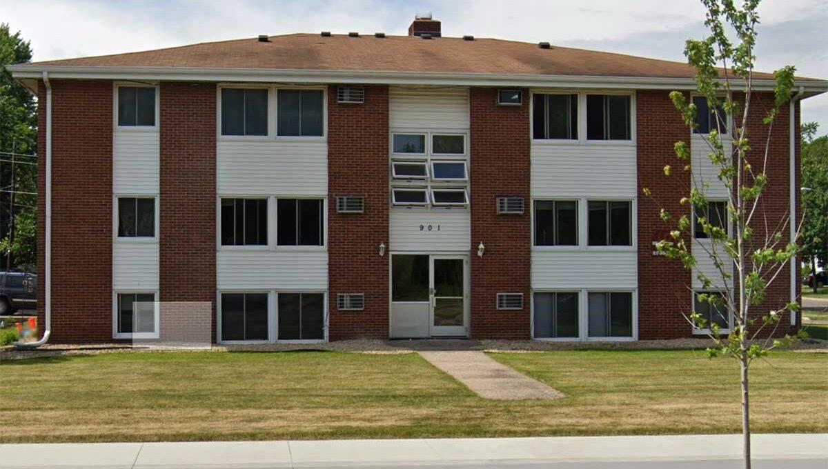 Minneapolis-Apartment-for-Rent-901 E 66th Street Minneapolis MN-front
