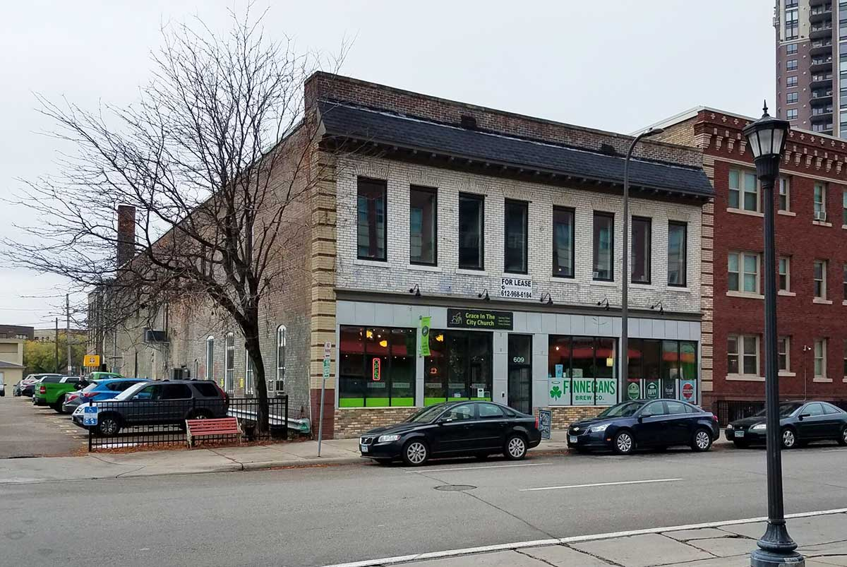 609 S 10th Street – Commercial Space