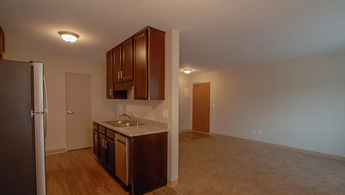 Minneapolis-Apartment-for-Rent-Hopkins Hiawatha Apartments-03