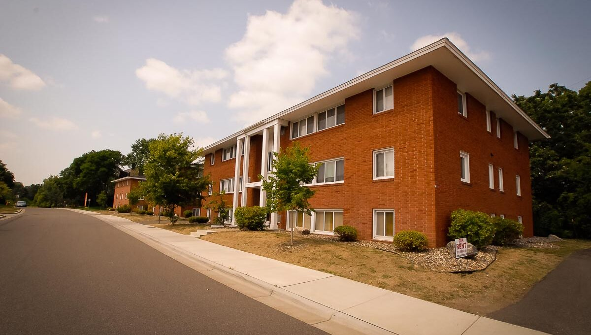 Minneapolis-Apartment-for-Rent-Hopkins Hiawatha Apartments-11