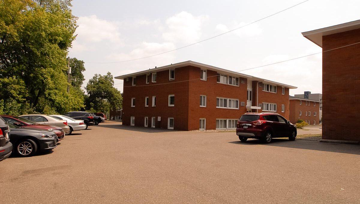 Minneapolis-Apartment-for-Rent-Hopkins Hiawatha Apartments-12